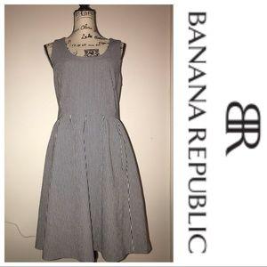 Banana Republic Navy & White Size 12